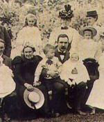 C.S. Lewis bébé et sa famille